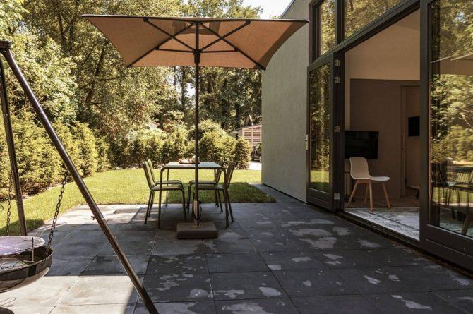 Villapparte-Dutchen-Suitelodge Sauna & Jacuzzi-luxe vakantiehuis voor 4 personen-Gooilanden-groot terras