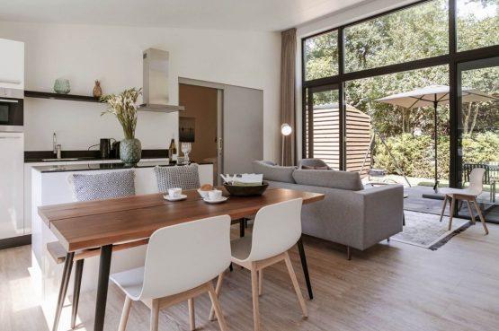 Villapparte-Dutchen-Suitelodge Sauna & Jacuzzi-luxe vakantiehuis voor 4 personen-Gooilanden-romantische woonkamer