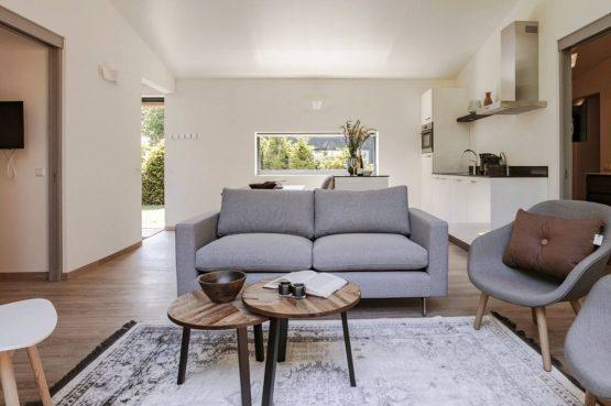Villapparte-Dutchen-Suitelodge Sauna & Jacuzzi-luxe vakantiehuis voor 4 personen-Gooilanden-romantische zithoek