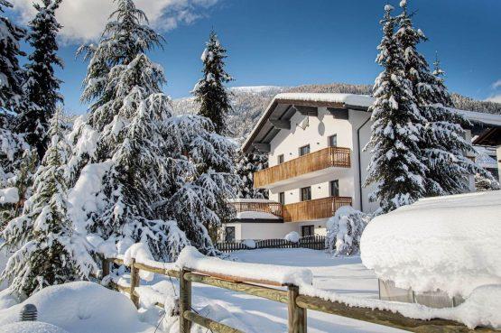 Villapparte-Lodge Rose's Heart-luxe appartementenhuis-Bad Klein Kirchheim-Karinthië-Oostenrijk-winter