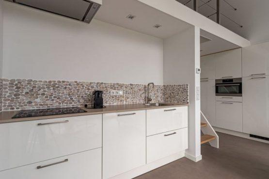Villapparte-Natuurhuisje-Bosvilla Vrouwenpolder-luxe vakantiehuis voor 4 personen-Zeeland-luxe keuken met apparatuur