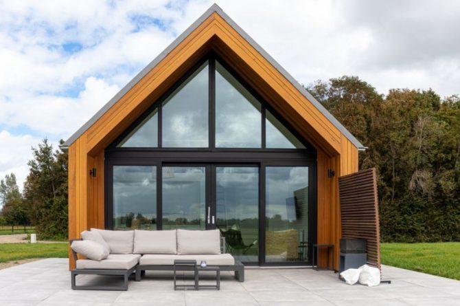 Villapparte-Natuurhuisje-Bosvilla Vrouwenpolder-luxe vakantiehuis voor 4 personen-Zeeland-terras met lounge