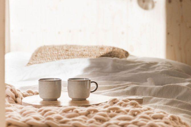 Villapparte-Noyr Tiny House-Veluwe-Nunspeet-Gelderland-2 personen-koffie op bed