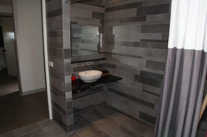 Villapparte-Special Villas-Vakantiehuis Grutte Tsjerke-luxe vakantiehuis in een verbouwde kerk-voor 10 personen-Friesland-luxe badkamer