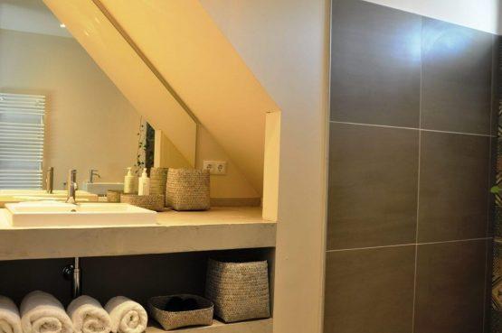 Villapparte-Special Villa's-Vakantiehuis Lindenhof Loënga-luxe vakantiehuis voor 2 personen-Sneek-Friesland-luxe badkamer