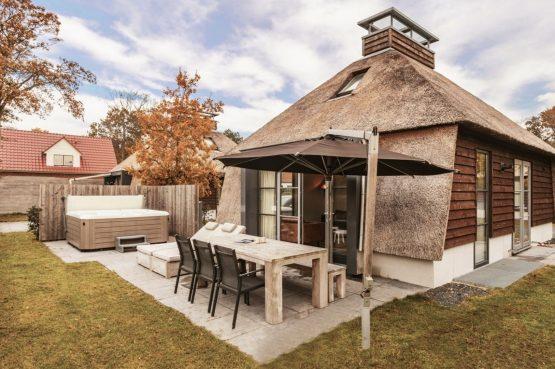 Villapparte-Villa Weideduyn 10-luxe vakantiehuis voor 6 personen met sauna en jacuzzi-Schoorl-Noord-Holland