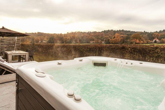 Villapparte-Villa Weideduyn 10-luxe vakantiehuis voor 6 personen met sauna en jacuzzi-Schoorl-Noord-Holland-jacuzzi met uitzicht
