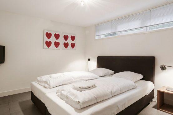 Villapparte-Villa Weideduyn 10-luxe vakantiehuis voor 6 personen met sauna en jacuzzi-Schoorl-Noord-Holland-luxe slaapkamer