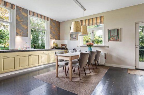 Villapparte-Belvilla-Boerderij Paulina Hoeve-knus vakantiehuis voor 4 personen-Alkmaar-Noord-Holland-gezellige eethoekj