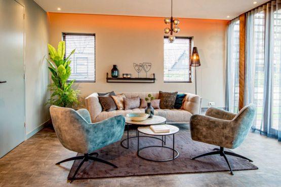 Villapparte-Droomparken-Bad Hoophuizen-Modus -modern vakantiehuis voor 4 personen-Veluwemeer-gezellige zithoek