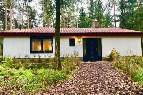 Villapparte-Natuurhuisje 35841-Vakantiehuis Midden in het Bos-romantisch vakantiehuis voor 6 personen-Lage Vuursche-Utrecht-midden in de natuur