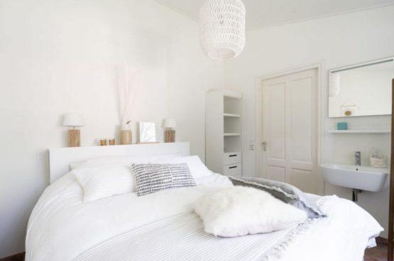 Villapparte-Natuurhuisje 35841-Vakantiehuis Midden in het Bos-romantisch vakantiehuis voor 6 personen-Lage Vuursche-Utrecht-romantische slaapkamer