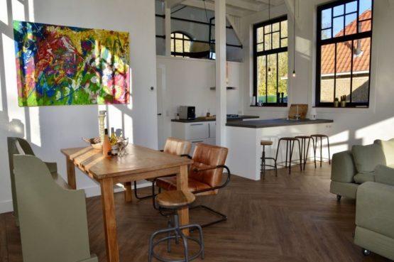 Villapparte-Natuurhuisje 51319-Vakantiehuis Het Kleine Kerkje-romantisch vakantiehuis voor 2 personen-Friesland-gezellig geheel