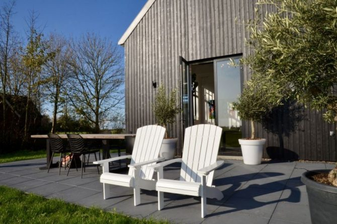 Villapparte-Natuurhuisje 51319-Vakantiehuis Het Kleine Kerkje-romantisch vakantiehuis voor 2 personen-Friesland-heerlijk terras