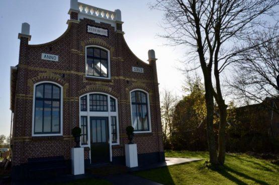 Villapparte-Natuurhuisje 51319-Vakantiehuis Het Kleine Kerkje-romantisch vakantiehuis voor 2 personen-Friesland-nostalgisch pand