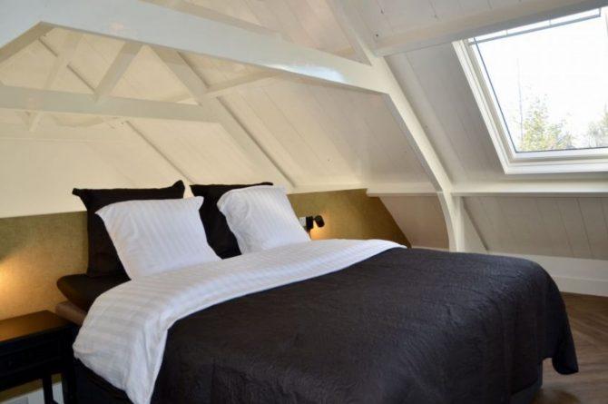 Villapparte-Natuurhuisje 51319-Vakantiehuis Het Kleine Kerkje-romantisch vakantiehuis voor 2 personen-Friesland-romantische slaapkamer