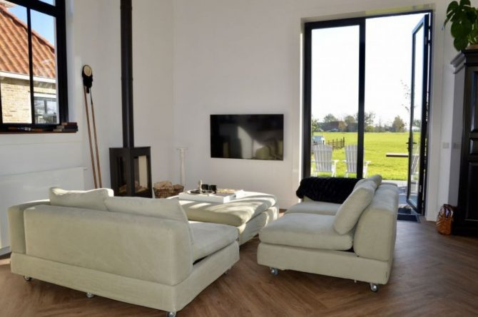 Villapparte-Natuurhuisje 51319-Vakantiehuis Het Kleine Kerkje-romantisch vakantiehuis voor 2 personen-Friesland-romantische zithoek