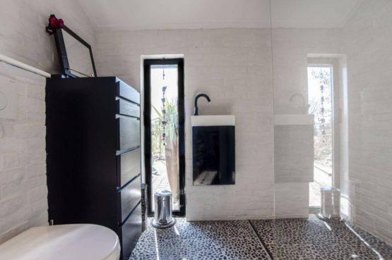 Villapparte-Natuurhuisje-Vakantiehuis Terschuur-romantisch vakantiehuis voor 3 personen-Terschuur-Gelderland-luxe badkamer
