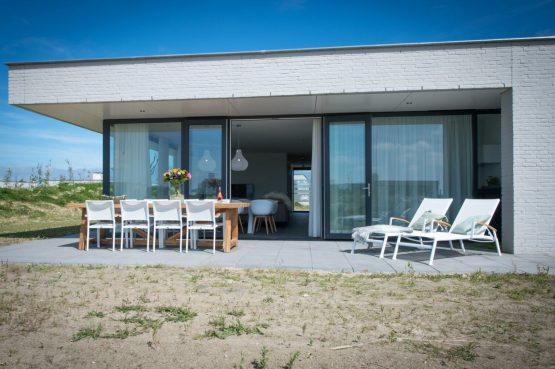 Villapparte-Zandvillas-Vakantievilla Zandbank 12-luxe vakantiehuis voor 8 personen-Kamperland-Zeeland-heerlijk terras