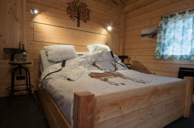 Villapparte-Ardoer-Boomhut XXL-romantische boomhut voor 4 personen-Camping Reeenwissel-Drenthe-romantische slaapkamer