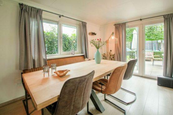 Villapparte-Belvilla-Vakantiehuis Duinvilla-luxe vakantiehuis voor 6 personen-met zwembad-Kaatsheuvel-Noord-Brabant-gezellige zithoek