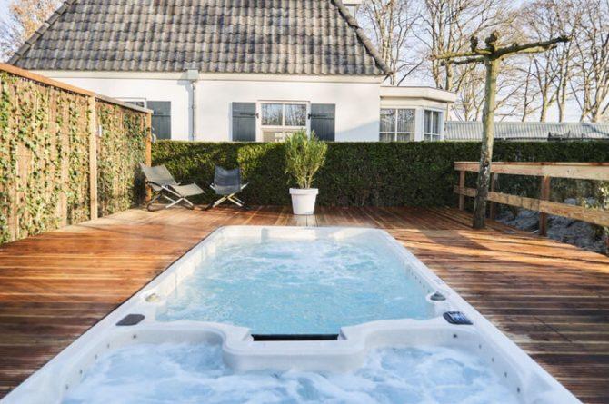 Villapparte-Belvilla-Vakantiehuis Duinvilla-luxe vakantiehuis voor 6 personen-met zwembad-Kaatsheuvel-Noord-Brabant-zwembad met whirlpool