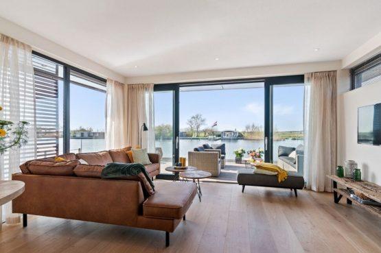Villapparte-Belvilla-Watervilla de Veenhoop-prachtig vakantiehuis voor 10 personen-Friesland-knusse zithoek