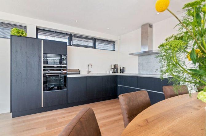 Villapparte-Belvilla-Watervilla de Veenhoop-prachtig vakantiehuis voor 10 personen-Friesland-luxe keuken