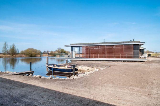 Villapparte-Belvilla-Watervilla de Veenhoop-prachtig vakantiehuis voor 10 personen-Friesland-rustig gelegen