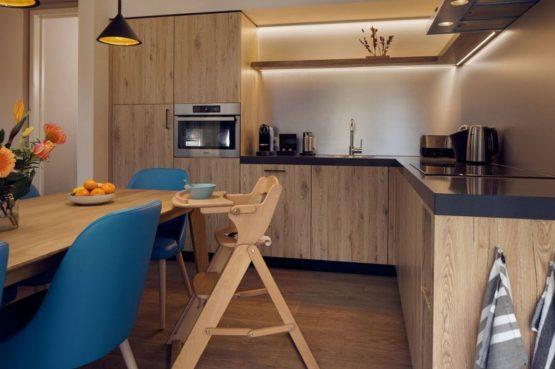 Villapparte-Center Parcs-Terhills Resort-Exclusive Lakeside Cottage-Luxe vakantievilla voor 6 personen-België-luxe keuken met eettafel