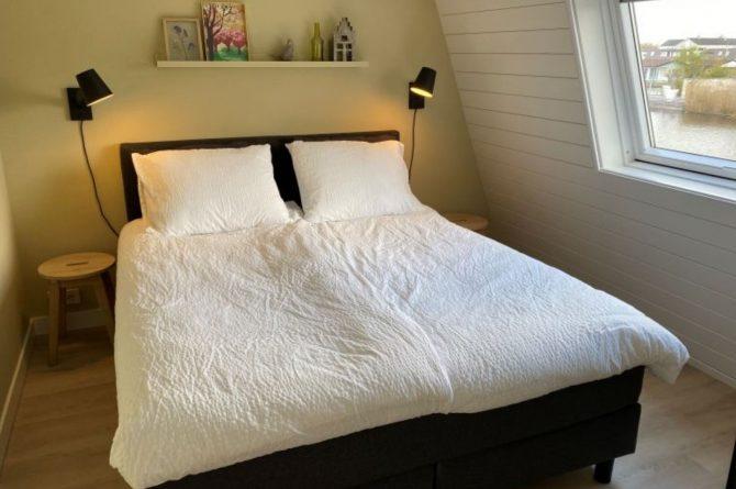 Villapparte-Natuurhuisje-Vakantiehuis Scheendijk-romantisch vakantiehuis voor 4 personen-Breukelen-luxe slaapkamer