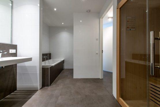 Villapparte-Ruiterplaat-Appartement 4 Schotsman Watersport-luxe appartement aan het water-voor 6 personen-Kamperland-Zeeland-luxe badkamer met sauna