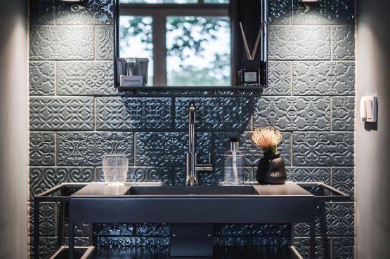 Villapparte-Villa for you-Villa Kranenbergh- luxe vakantievilla voor 16 personen-bergen-Noord-Holland-luxe badmeubel