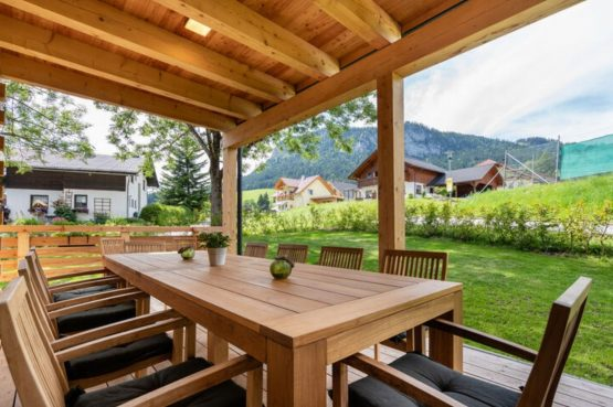 Villapparte-Belvilla-Chalet Tauplitz-luxe chalet voor 12 personen-met privé sauna-Stiermark-Oostenrijk-overdekt terras