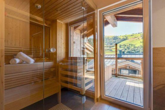 Villapparte-Belvilla-Penthouse Kaprun 11 - luxe penthouse voor 10 personen - inclusief hotelservice-Oostenrijk-gezellige zithoek