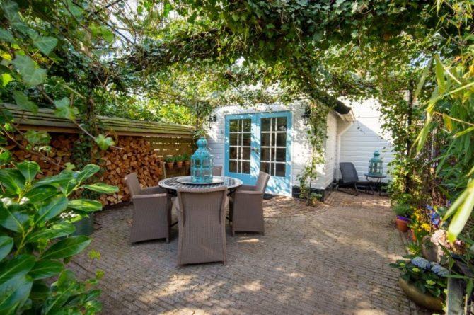 Villapparte-Natuurhuisje-Vakantiehuis Westerheide-romantisch vakantiehuis voor 2 personen-Laren-gezellig terras