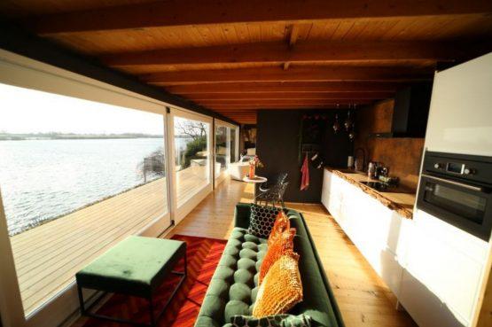 Villapparte-Natuurhuisje-Wellness Vakantiehuis Lekkerkerk-luxe vakantiehuis voor 2 personen-met sauna en bubbelbad-Lekkerkerk-knusse leefruimte