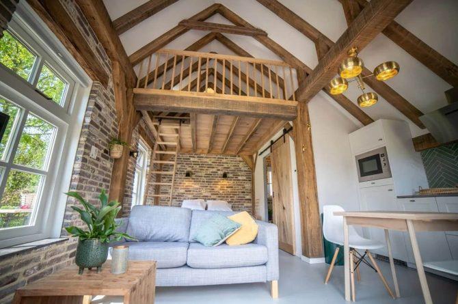 Villapparte-Vipio-Tiny House Oirschot-luxe vakantiehuis voor 4 personen-Oirschot-Noord-Brabant-knusse zithoek