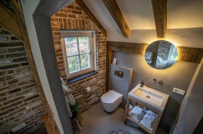 Villapparte-Vipio-Tiny House Oirschot-luxe vakantiehuis voor 4 personen-Oirschot-Noord-Brabant-luxe badkamer