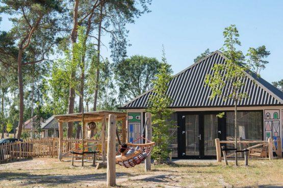Villapparte-Beekse Bergen-Safariresort-Kidslodge Beekse Bergen-Unieke lodge voor 6 personen-Hilvarenbeek