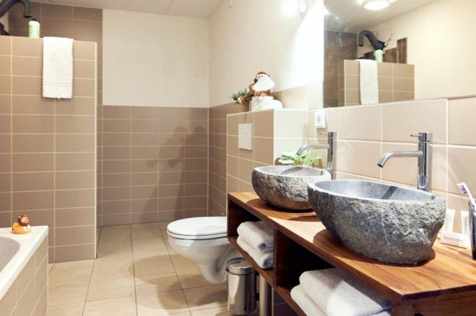 Villapparte-Beekse Bergen-Safariresort-Kidslodge Beekse Bergen-Unieke lodge voor 6 personen-Hilvarenbeek-luxe badkamer