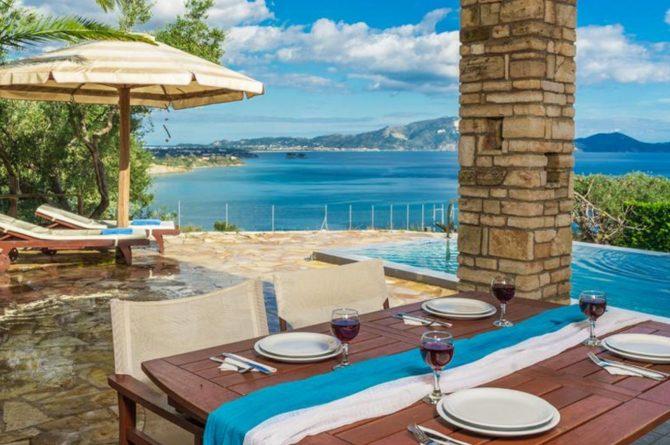 Villapparte-Eliza was here-Kymaros Villas-luxe villa's voor 2-8 personen-Zakynthos-Griekenland-gezellig terras