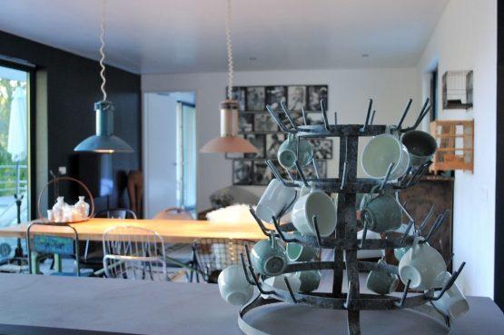 Villapparte-FranceVilla-Villa Marilove-Luxe vakantiehuis voor 6 personen-met zwembad en jacuzzi-Souillac-Dordogne-Frankrijk-gezellige eethoek