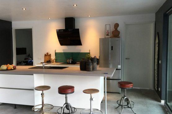 Villapparte-FranceVilla-Villa Marilove-Luxe vakantiehuis voor 6 personen-met zwembad en jacuzzi-Souillac-Dordogne-Frankrijk-luxe keuken