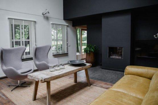 Villapparte-De Dorpswoning-De Volbloed-luxe vakantiehuis voor 12 personen-Leenderstrijp-Noord-Brabant-knusse zithoek