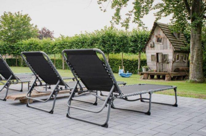 Villapparte-De Dorpswoning-De Volbloed-luxe vakantiehuis voor 12 personen-Leenderstrijp-Noord-Brabant-ligstoelen