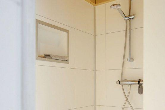 Villapparte-Droomparken-Tiny House Hooge Veluwe-Knus vakantiehuis voor 2 personen-Gelderland-complete badkamer