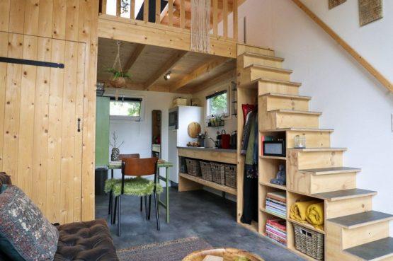 Villapparte-Droomparken-Tiny House Hooge Veluwe-Knus vakantiehuis voor 2 personen-Gelderland-doorkijk keuken