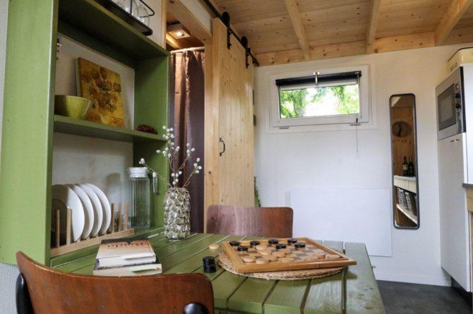 Villapparte-Droomparken-Tiny House Hooge Veluwe-Knus vakantiehuis voor 2 personen-Gelderland-romantische woonkamer