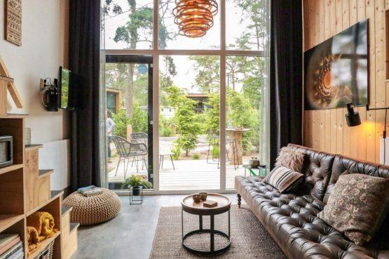 Villapparte-Droomparken-Tiny House Hooge Veluwe-Knus vakantiehuis voor 2 personen-Gelderland-uitzicht op terras